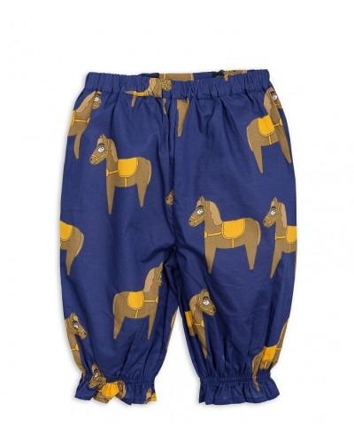 blauwe broek paarden