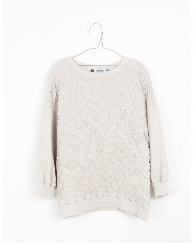 white sweatshirt alice