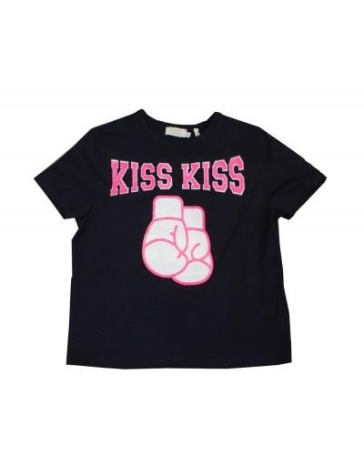 blue t-shirt kiss